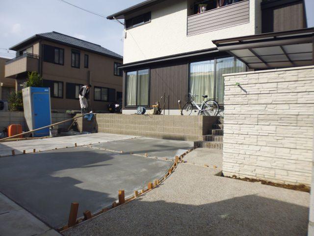 春日井 新築外構の仕上げ段階です。