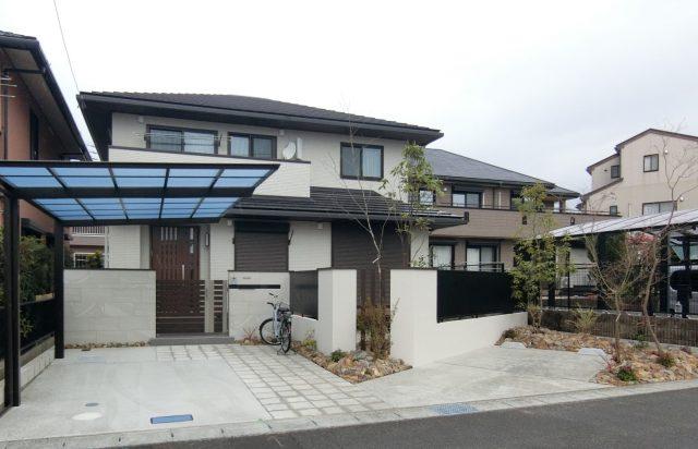 春日井市トヨタホーム外構、名古屋モザイクのアルファヒルズを使った素敵な外構が完成しました。