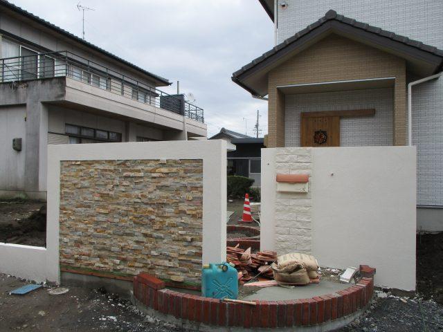 ガーデンリフォーム現場と新築外構現場