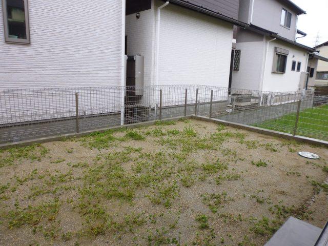 タイルと芝生のプライベートガーデン 岩倉市 M様邸