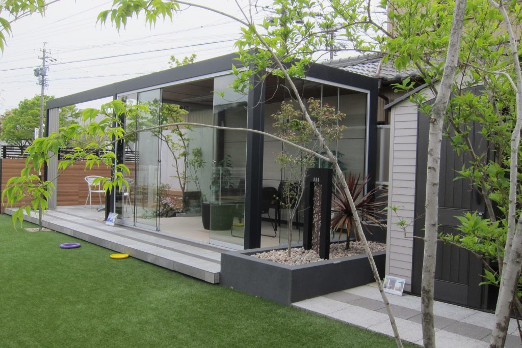 外構・庭・フェンスなど連休中でも展示場見学できます