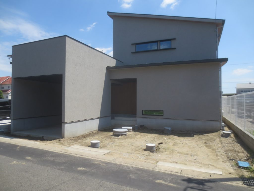 江南市 クラシスホーム 新築外構 庭 車庫 ガレージ 門