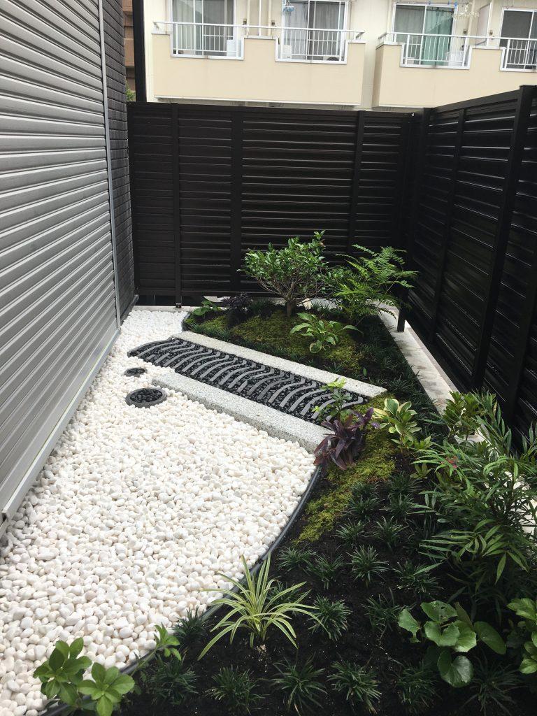 一坪の和庭