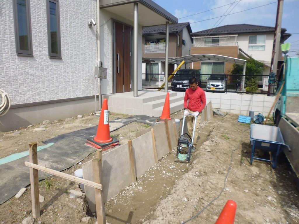 岩倉 新築外構 着工です。